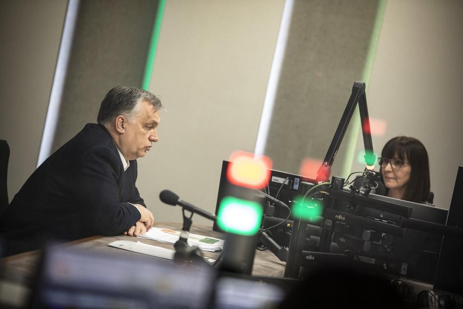 Orbán Viktor: Nyitnak a szolgáltatások, de csak védettségi igazolvánnyal