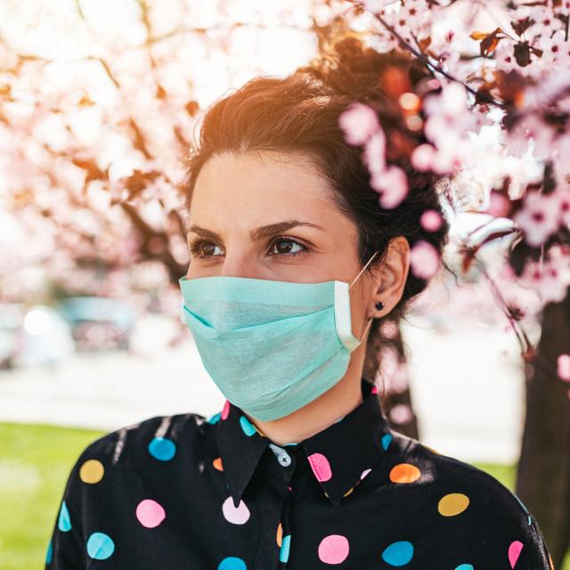 Koronavírus elleni oltás után átmenetileg fel kell függeszteni a terápiát: fontos tudnivalók az allergiásoknak