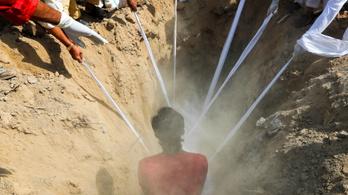 Koronavírus Indiában: képeken egy ország tragédiája