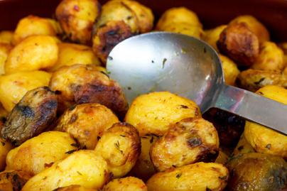 Elképesztően ropogós újkrumpli - Sóval és ecettel lesz igazán finom
