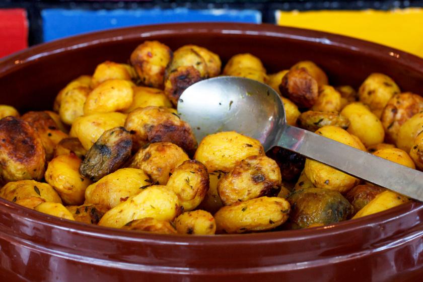 újkrumpli sóval és ecettel sütve recept