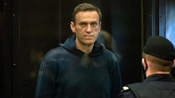 Navalnij kiszáll az éhségsztrájkból