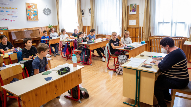 Miért nem kötelező a maszkviselés az iskolákban?
