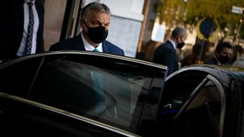 Orbán Viktor megérkezett Brüsszelbe