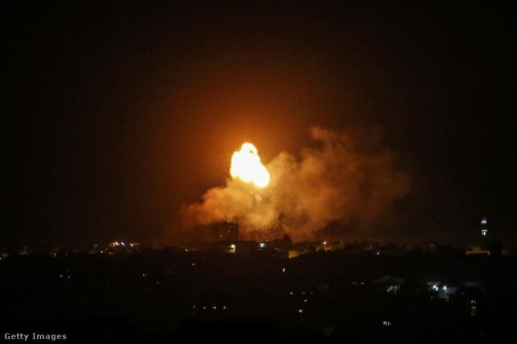 Izraeli légitámadás a Gázai övezetben 2021 április 17-én