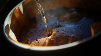 A presszóért 482 forint, a cappuccinóért 694 forint még belefér