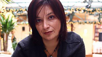 Kármán Irén újságírót indítja a szolnoki előválasztáson a Momentum