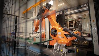 Támogatja a kormány a félegyházi robotokat
