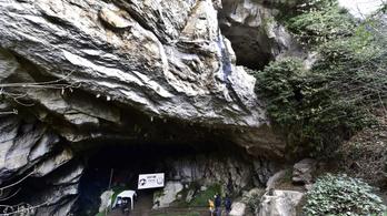 Kísérlet a barlangban: negyven nap fény és járvány nélkül
