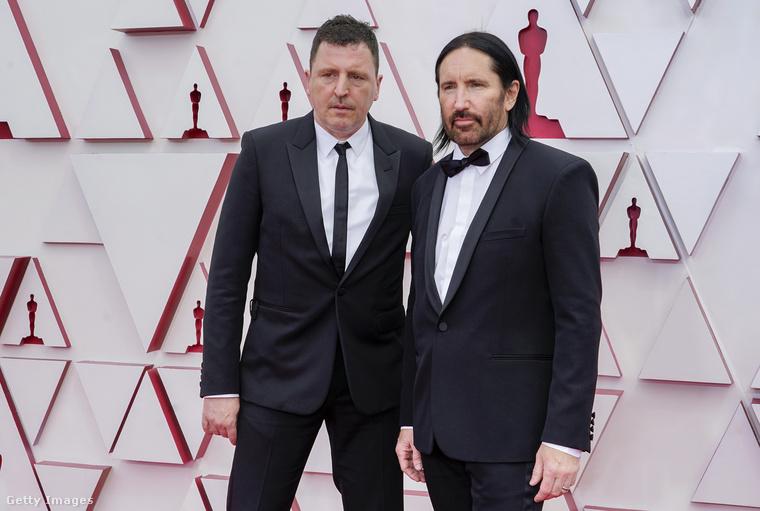 Atticus Ross és Trent Reznor végig így néztek, pedig nem volt miért gyanakodni: hazavitték a legjobb filmzene díját (Soul).