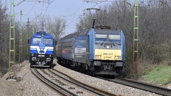 Késik a vonat a győri vonalon