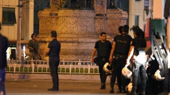 Puccs vádjával félezer elfogatóparancsot adtak ki Törökországban