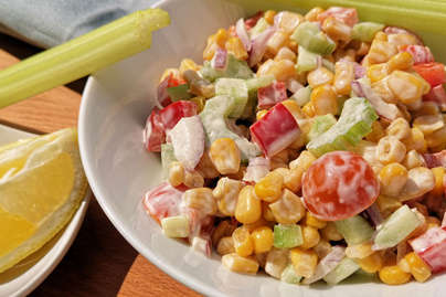 Krémes kukoricasaláta almával és szárzellerrel – Húsok mellé is tökéletes