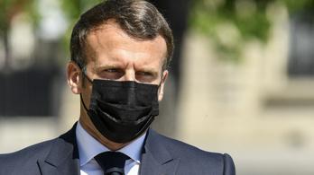 Macron felhívta Putyint, aggódik Navalnij egészségéért