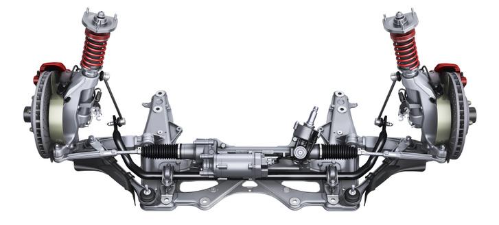 MacPherson rendszerű a korábbi, 2013-as GT3-as első futóműve, de sokat tettek a hátrányok eltüntetéséért