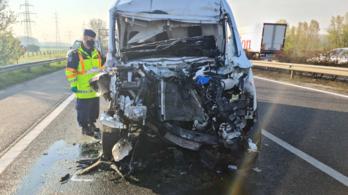 Két kamionbaleset is történt az M1-esen, néhány kilométerre egymástól