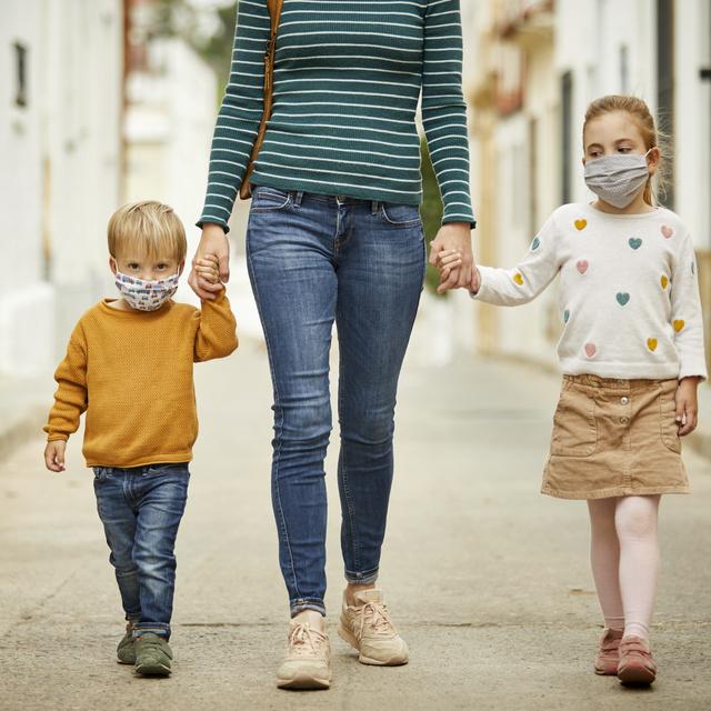 Ki a szar anya? Aki elküldte az iskolába a gyerekét, vagy az, aki otthon tartja?