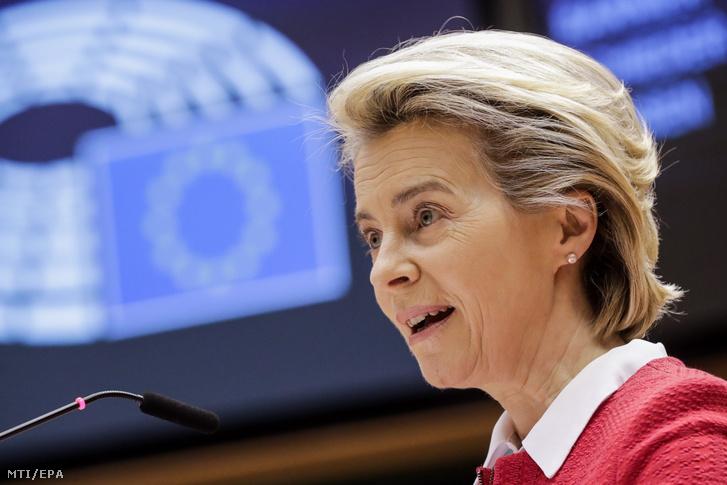 Ursula von der Leyen az Európai Bizottság elnöke felszólal a Nagy-Britannia és az Európai Unió közötti kereskedelmi és együttműködési megállapodásról zajló vitán az Európai Parlament plenáris ülésének második napján Brüsszelben 2021. április 27-én