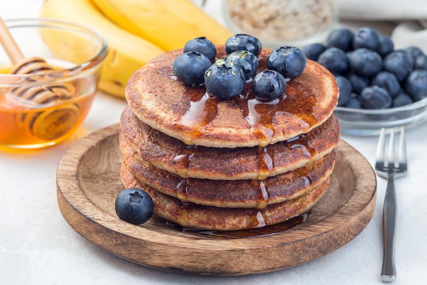 Pufi, banános amerikai palacsinta liszt nélkül: az édes reggelivel csodásan indul a nap