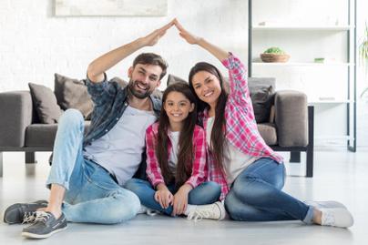 család költözés nyitó