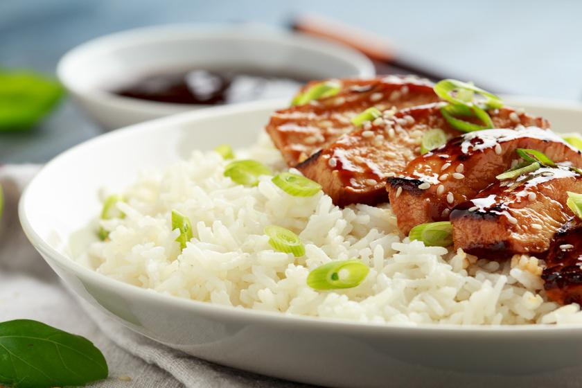 Ragacsos teriyaki csirke: egzotikus finomság gyorsan és egyszerűen