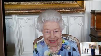Először jelent meg a nyilvánosság előtt Erzsébet királynő Fülöp herceg temetése óta