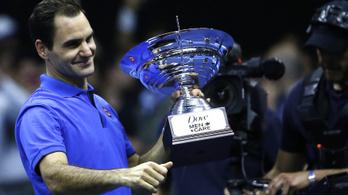 Roger Federer elárverezi a relikviáit