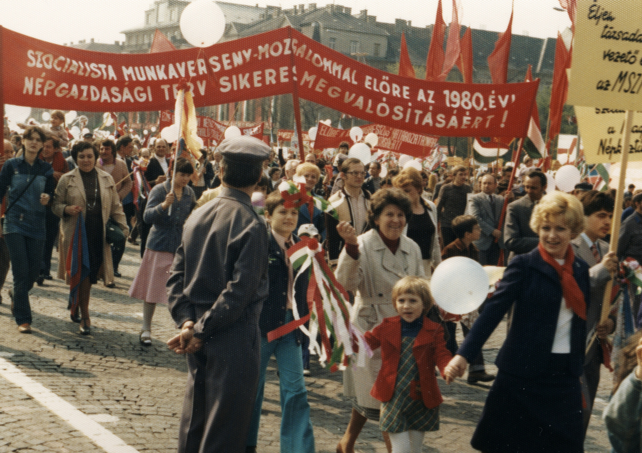 majális 1980 Ötvenhatosok tere, Felvonulási tér