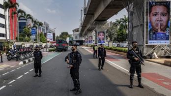 Összecsaptak a tüntetők és a junta Mianmarban, legalább húsz katona meghalt