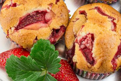 Nagyon puha muffin lédús eperrel sütve: csak mindent össze kell keverni