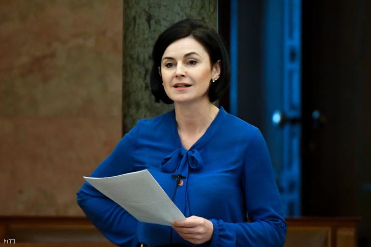 Kunhalmi Ágnes felszólal az Országgyűlés plenáris ülésén 2020. március 24-én