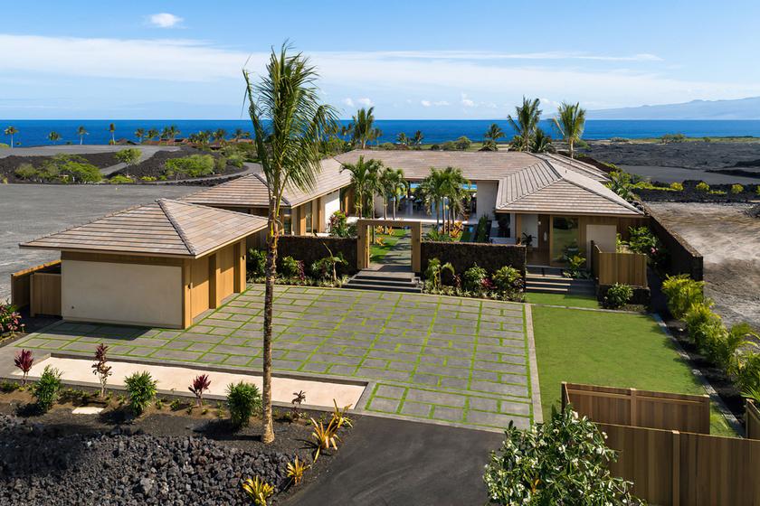 Íme, a pazar hawaii ház, melyen át a végtelen kékségig vezet az út.