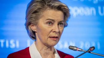 A török külügy szerint a hanyag uniós protokoll áldozata lett Ursula von der Leyen