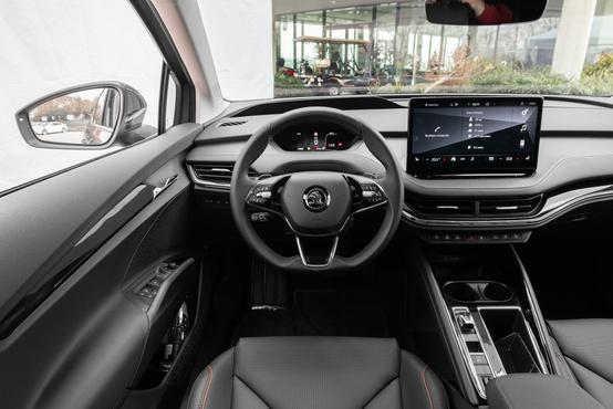 """Valahogy emberesebb, mint az VW ID-k minimáldizájnja, pláne, hogy """"rendes"""" váltópöcke is van"""