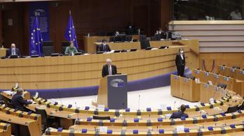 Megszavazták az európai vakcinaútlevelet