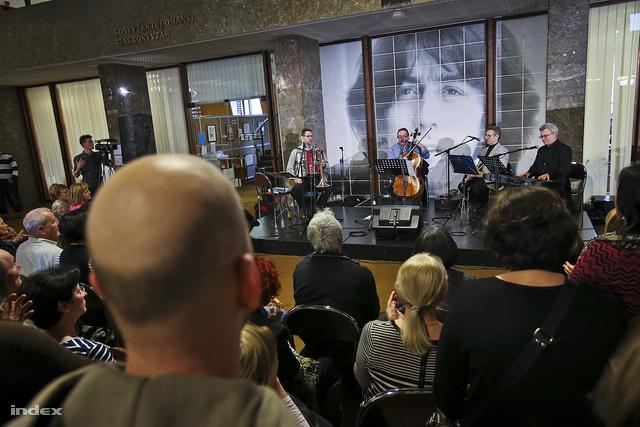 Cseh Tamás egykori zenésztársai adtak koncertet