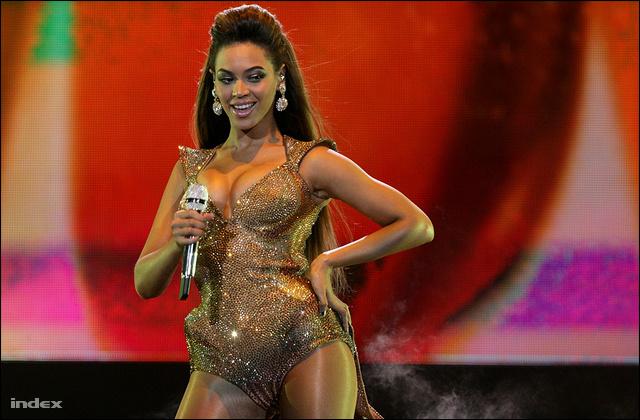 Beyoncé a 2009-es magyarországi koncertjén