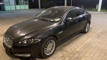 Teherautón akarták kicsempészni a lopott Jaguárt Magyarországról