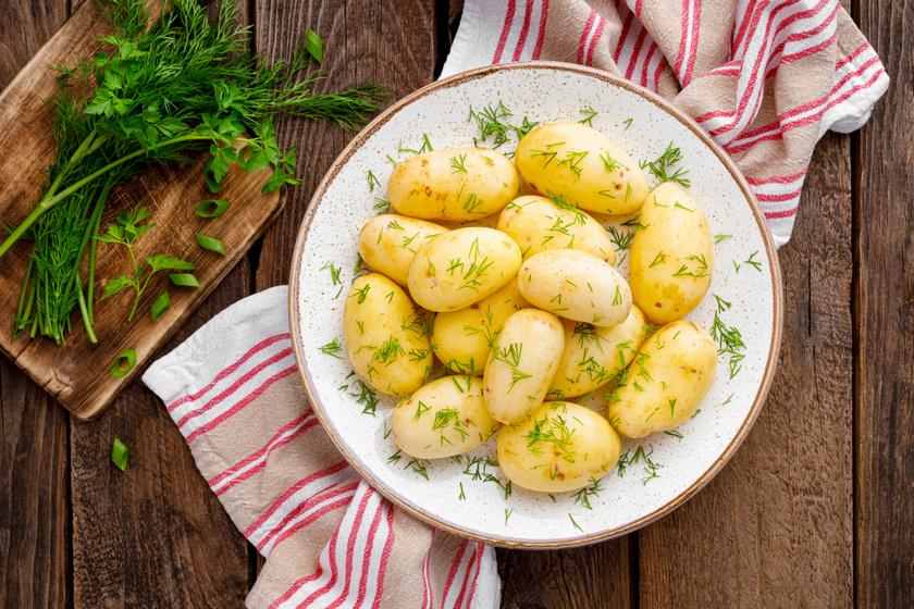 Illatos vajas, kapros újkrumpli: a legfinomabb tavaszi köret