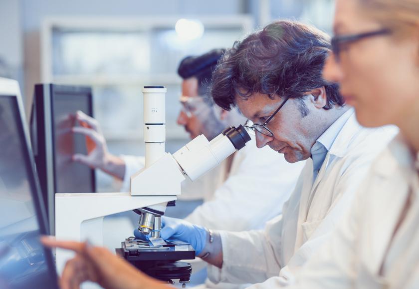 kutato-laboratorium-kutatas-orvosok