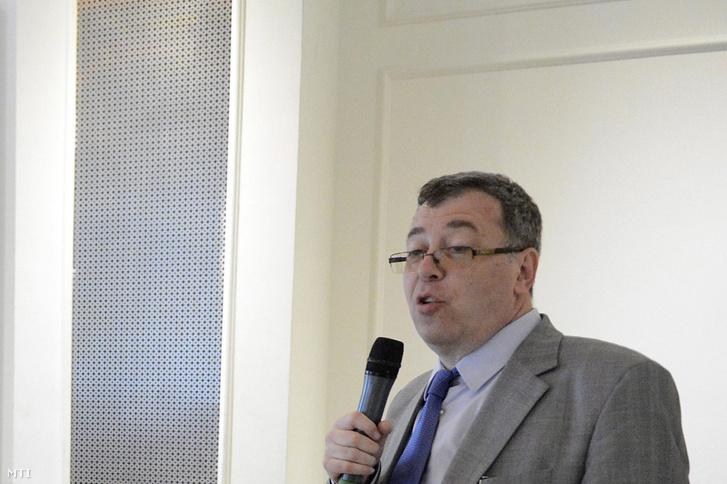 Korányi G. Tamás egy rendezvénymegnyitón 2013. április 23-án, Budapesten