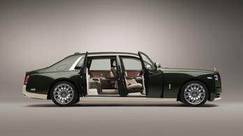 Ilyen Rolls-Royce-t rendel egy japán milliárdos