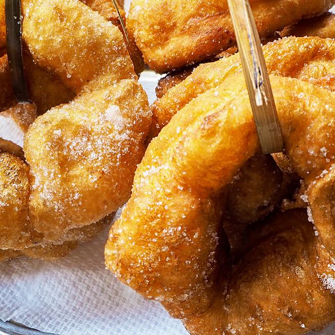 Rugalmas tésztájú, édes marokkói fánk: szerény, filléres finomság