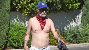 Moby póló nélkül lődörgött Los Angelesben