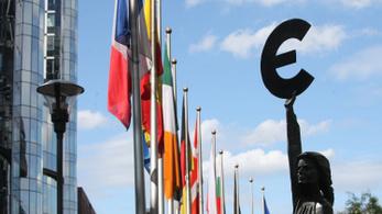 Ismét visszaesett az eurózóna gazdasága