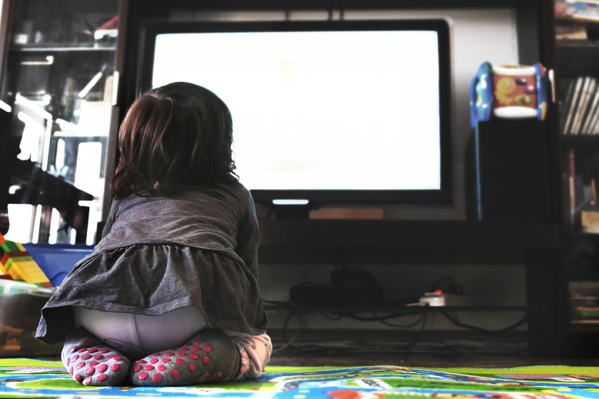 Hogyan segíthetjük a gyerek beszédfejlődését? 4 dolog, ami hatékonyabb, mint a mesenézés