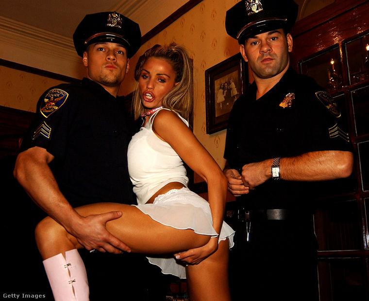 Kihívó viselkedése miatt esetleg letartóztatták volna...?