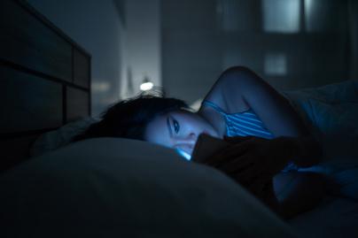 okostelefon-éjszaka2