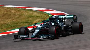 Vettel véletlenül a McLaren garázsa előtt állt meg az edzésen