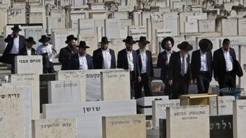 Már temetik az izraeli tömegkatasztrófa áldozatait